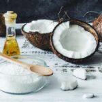 Польза в каждой капле: 15 способов использовать кокосовое масло и стать краше