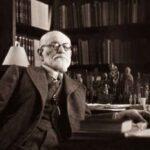 Просто Фрейд был нервным: зачем на самом деле кушетка в кабинете психоаналитика?
