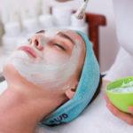 Правда ли, что тканевая маска вытягивает влагу сразу после высыхания на лице