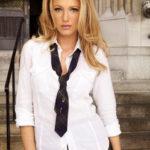 Женский галстук: история и особенности выбора