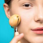 Замена салонным процедурам: как выбрать массажер для лица