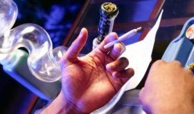 Бросить курить спайсы сложнее, чем отказаться от каннабиса