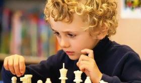Как научить ребёнку полюбить игру в шахматы
