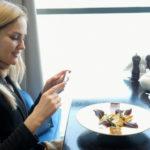Привычка фотографировать еду может привести к перееданию